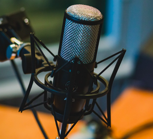 Four Podcasts that will Feed the Communication Student's Soul